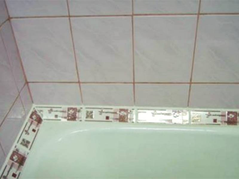 Защитим ванную комнату от плесени и грибка: выбор и установка бордюра