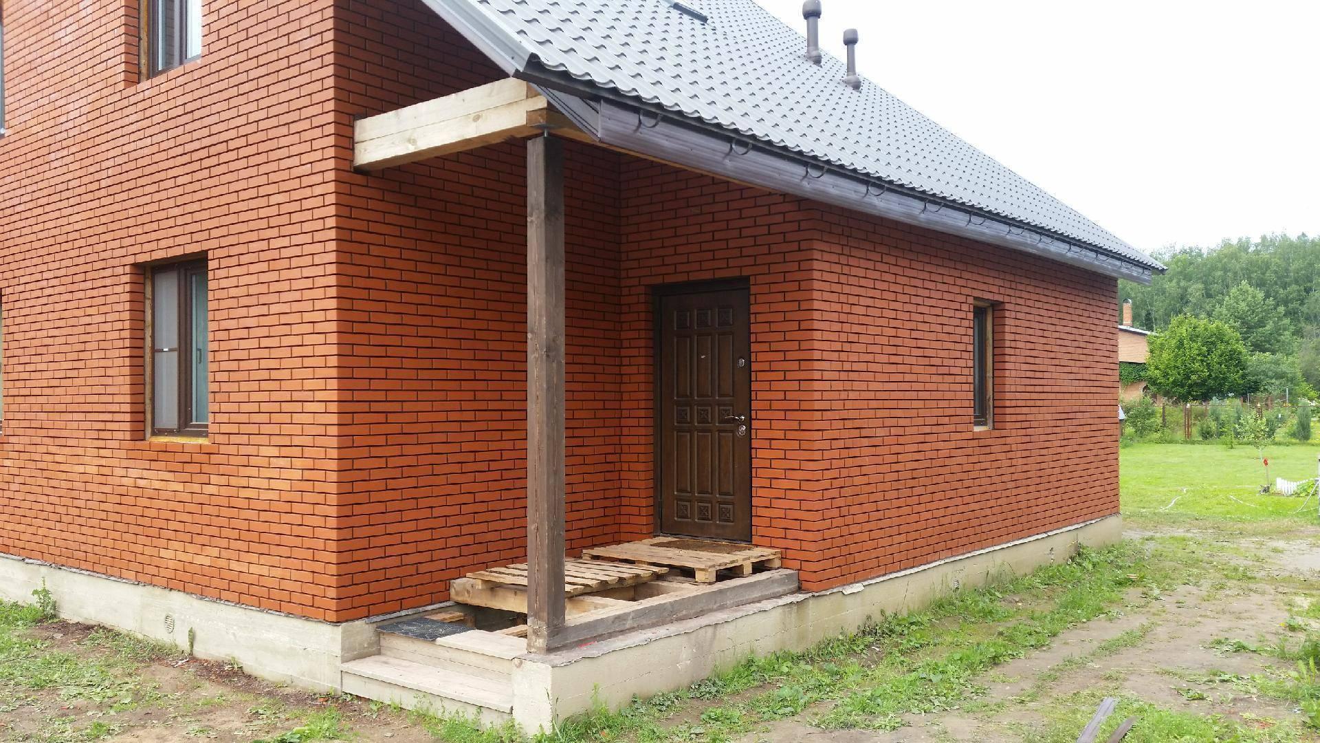 Обкладка деревянного дома кирпичом: поэтапное описание процесса