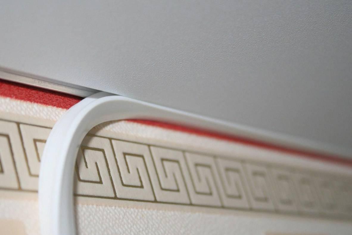 Маскировочная лента для натяжных потолков: зачем нужна, и как установить?