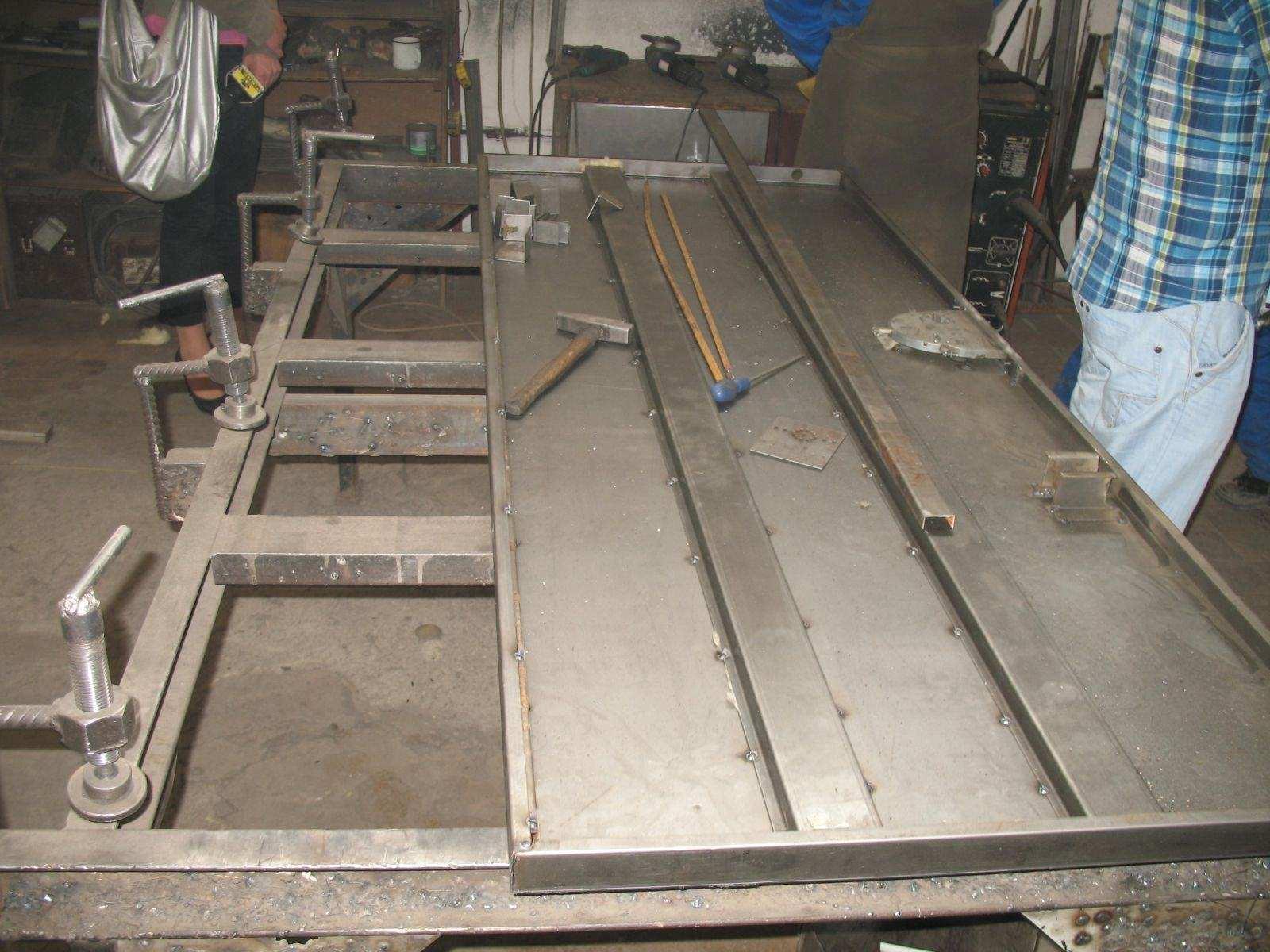 Поэтапное изготовление входных металлических дверей