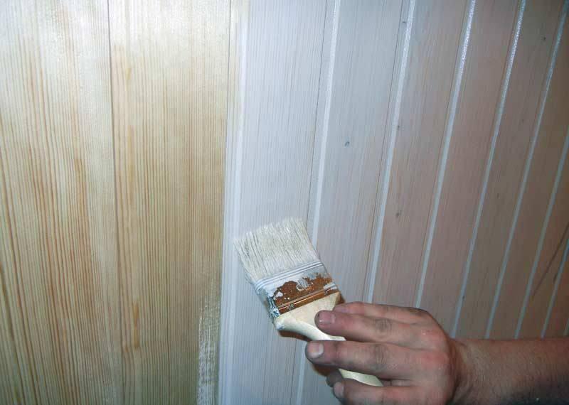 Как обновить и чем покрасить потолок из вагонки