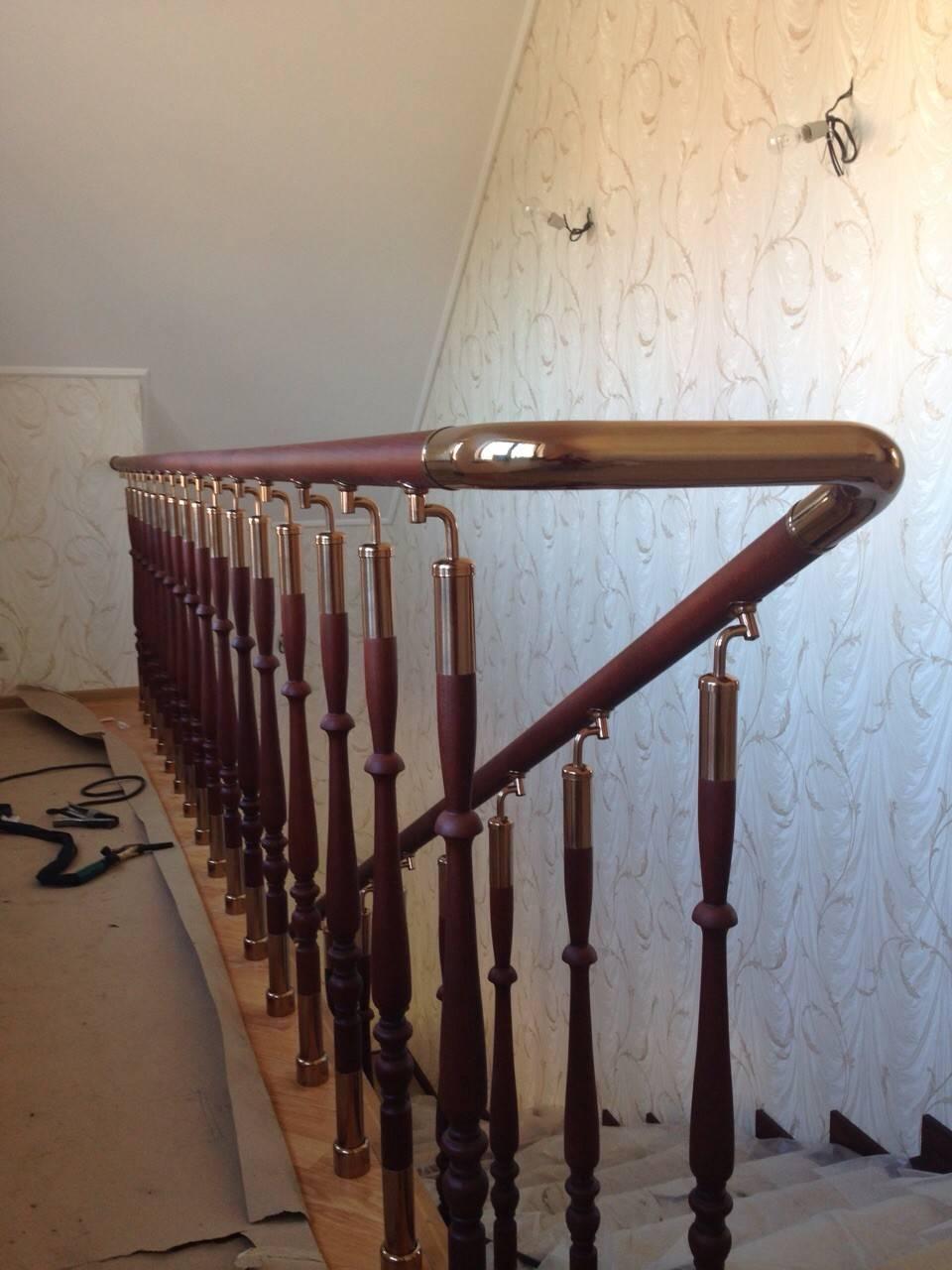 Балясины из дерева: монтаж деревянных ограждений (поручней, перил), способы крепления и установка