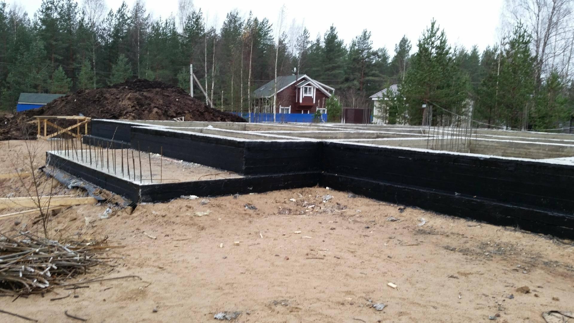Фундамент на болоте для дома: какой лучше строить