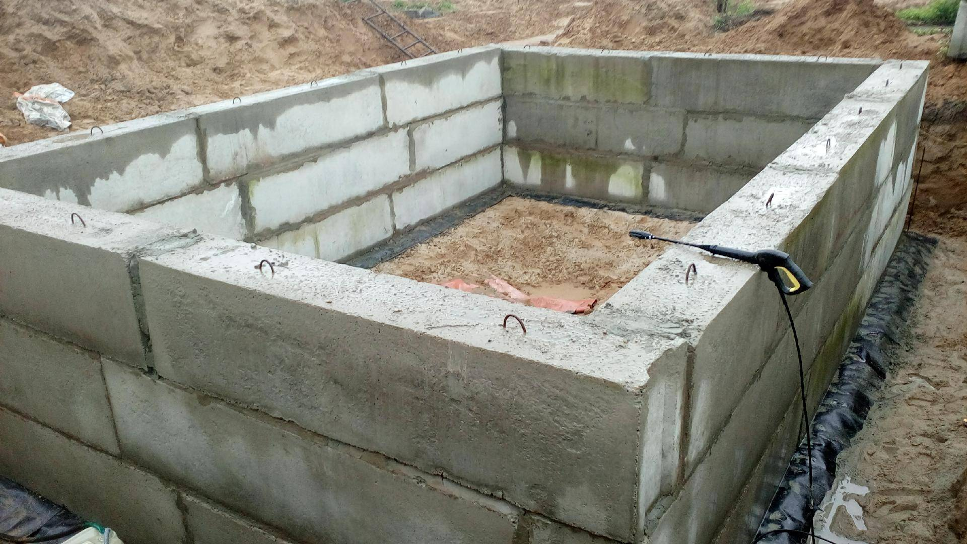 Фундамент из блоков фбс: пошаговая инструкция по монтажу