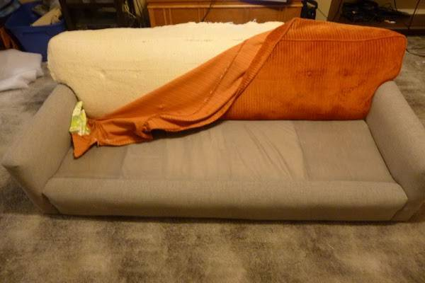 Перетяжка старого дивана своими руками, как сделать