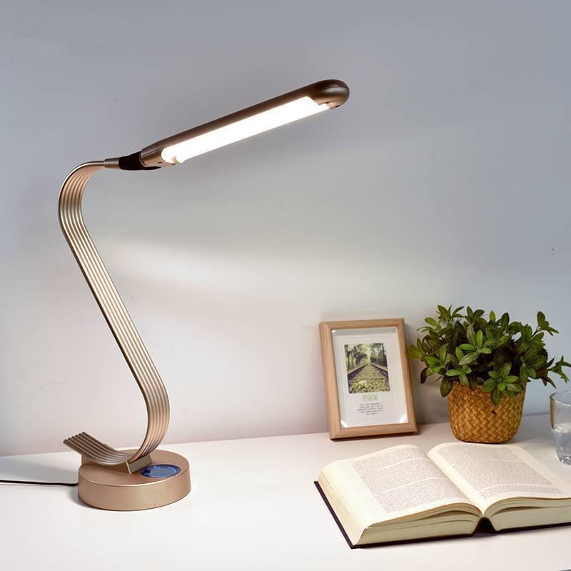 Настольные лампы для рабочего стола: как выбрать подходящую модель?