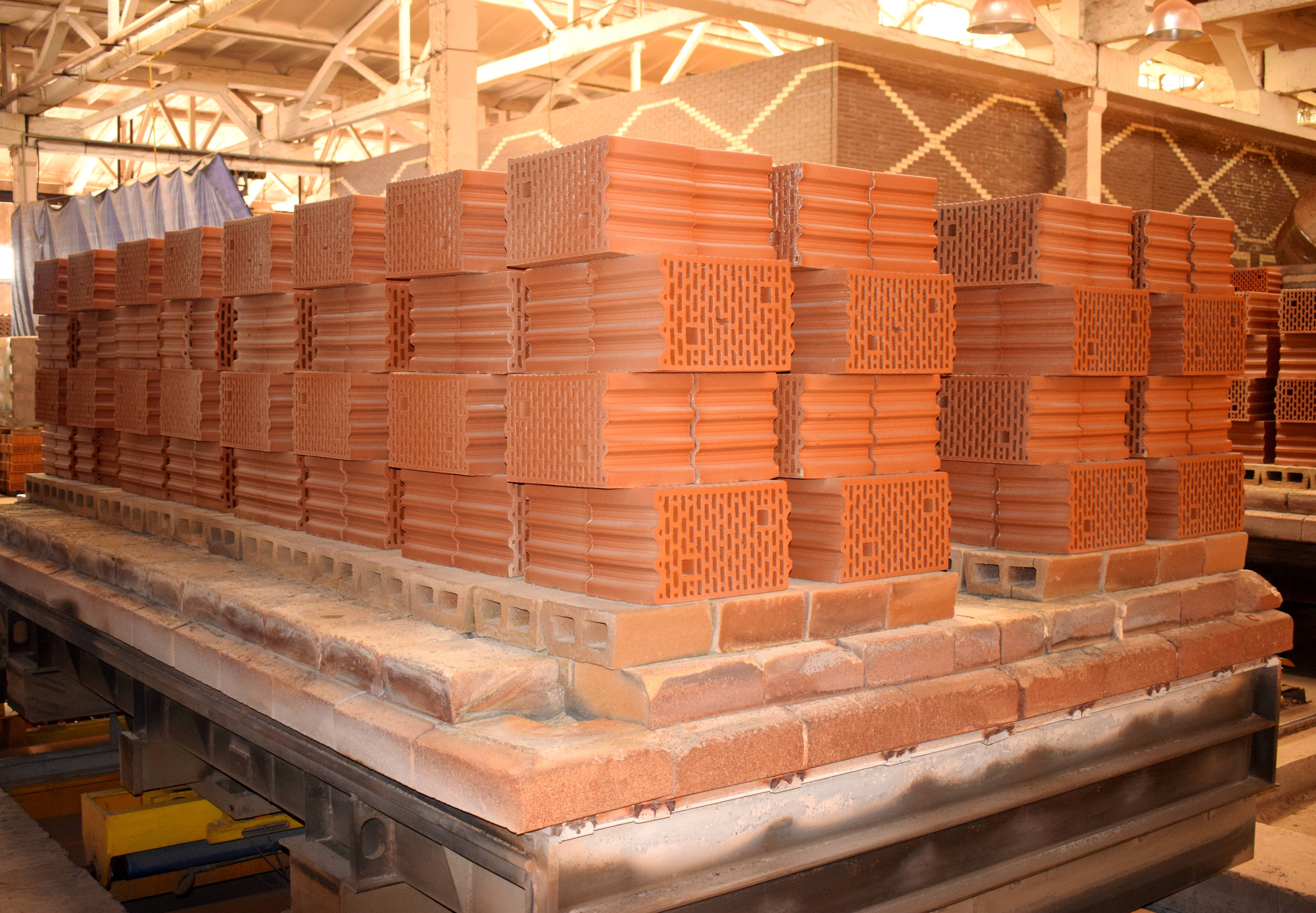 Преимущества поризованного керамического блока и недостатки