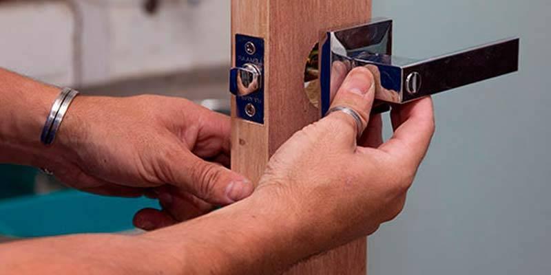 Как врезать замок в межкомнатную дверь: деревянную, мдф