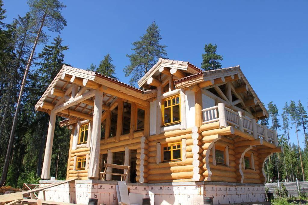 Дом из оцилиндрованного бревна: что нужно знать, прежде чем начать строительство