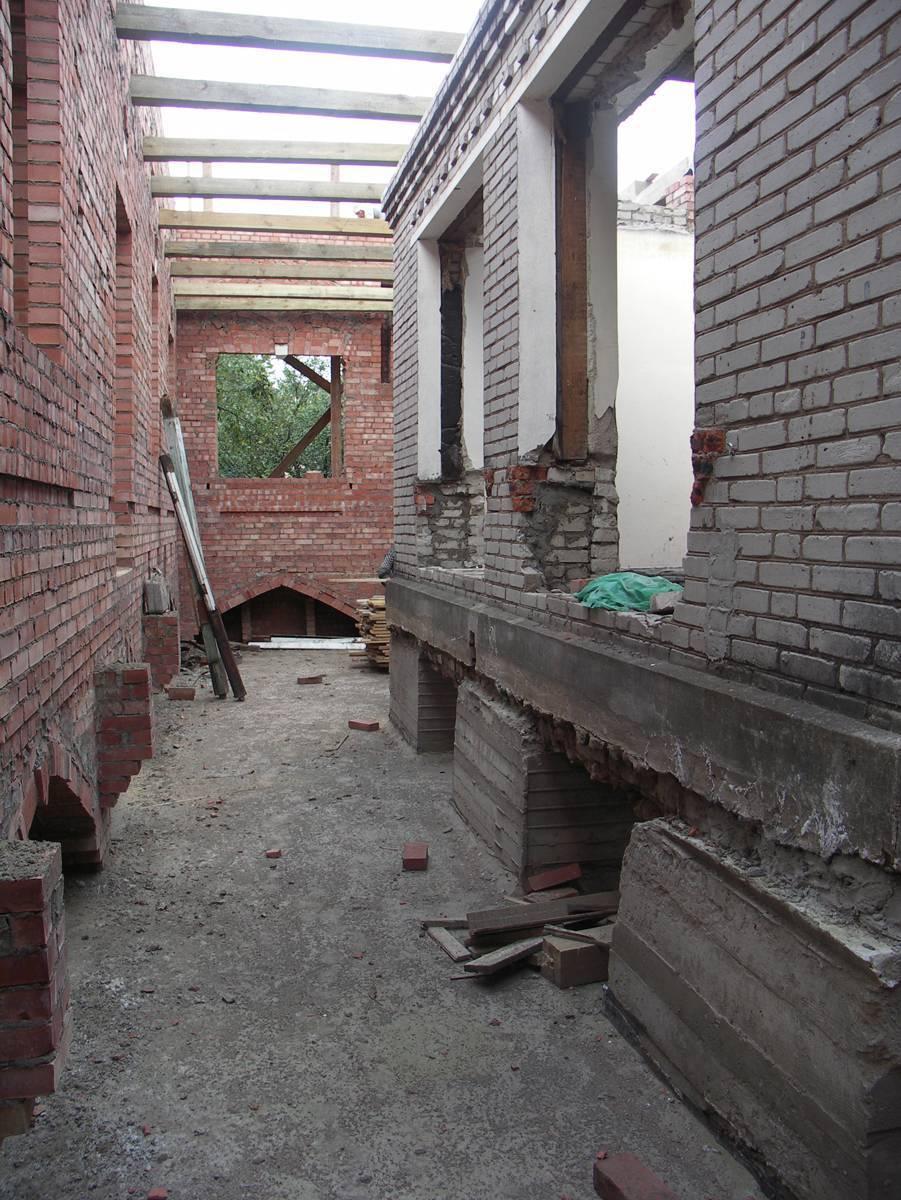 Построили новый дом на месте старого