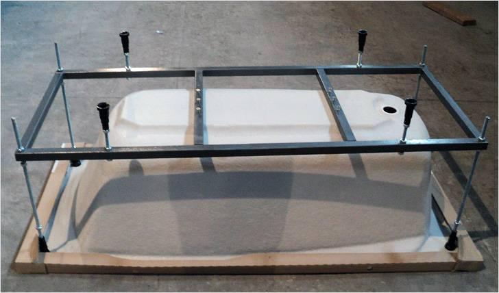Установка акриловой ванны на каркасе своими руками – сборка и монтаж (видео, фото)