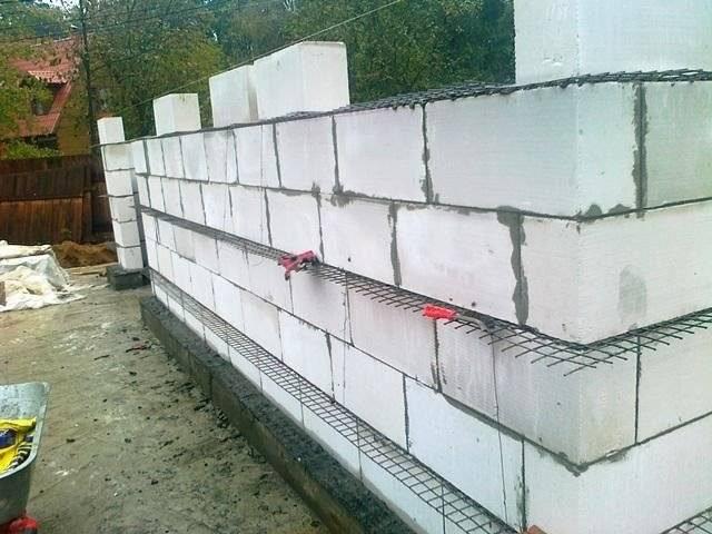 Нужно ли армировать стены из газобетонных блоков