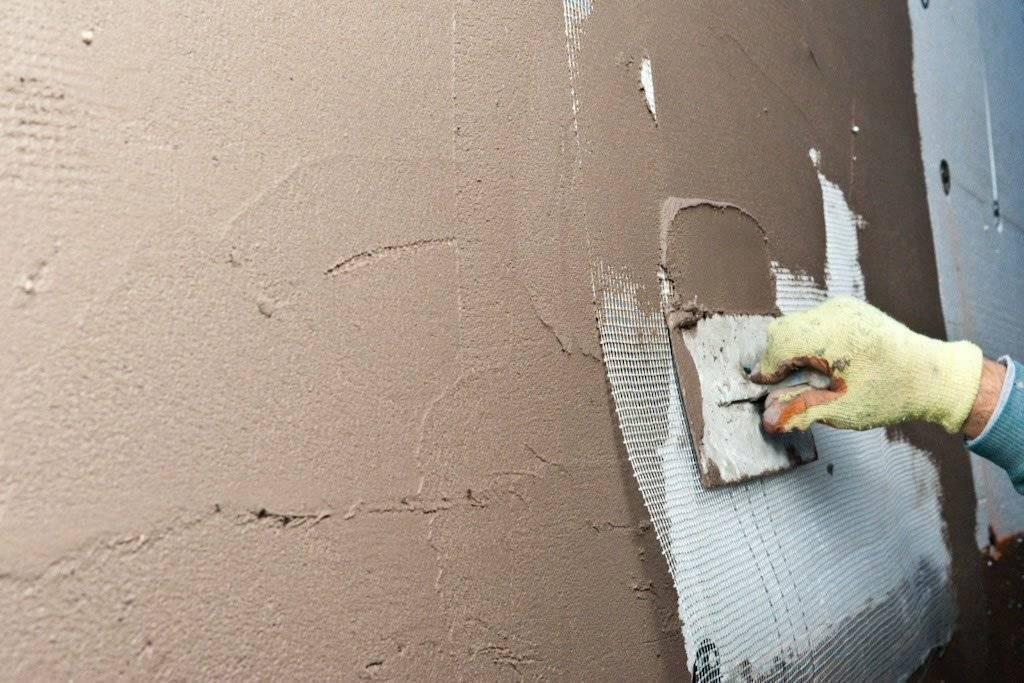 Шпаклевка стен под обои своими руками - пошаговая инструкция
