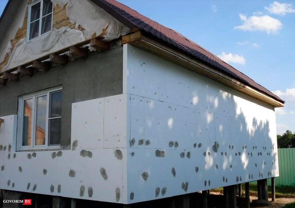 Пенопласт — материал для утепления деревянных домов из бруса