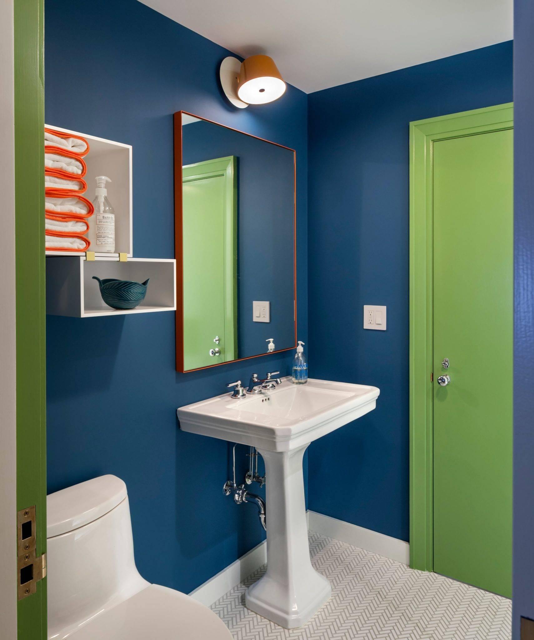 Краска вместо плитки в ванной: преимущества и недостатки