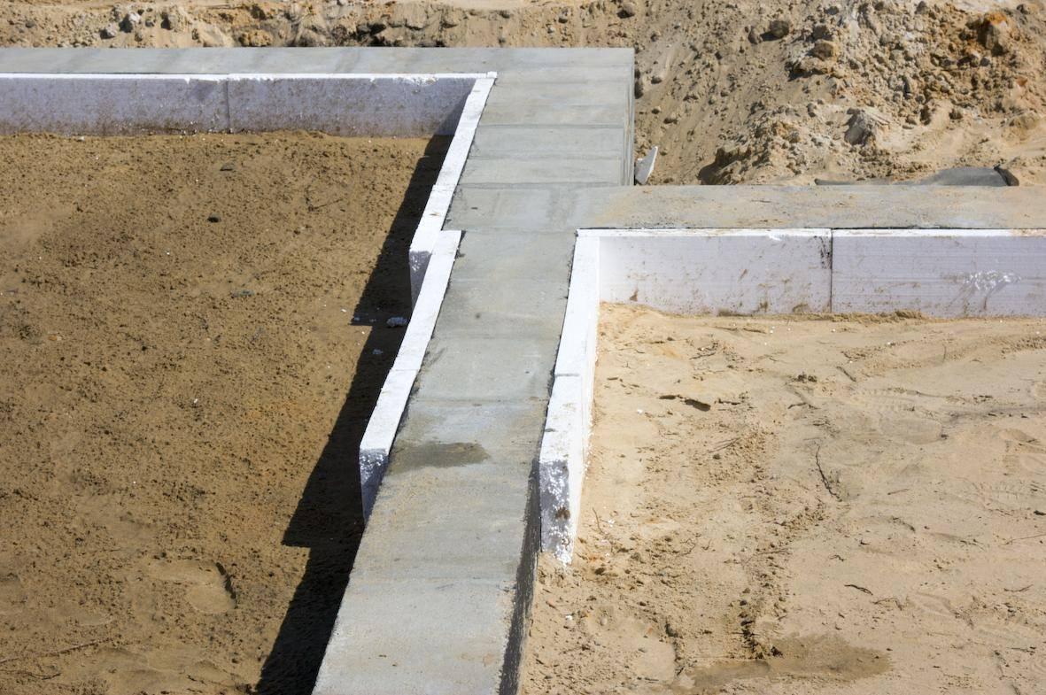 Плитный фундамент под газобетонный дом