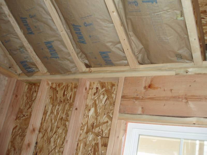 Как правильно обшить потолок гипсокартоном в деревянном доме
