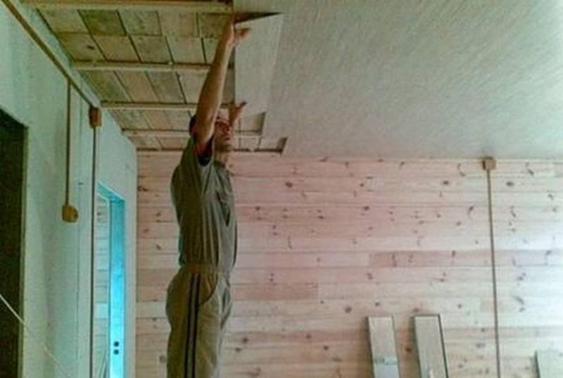 Потолок из ламината - отделка своими руками