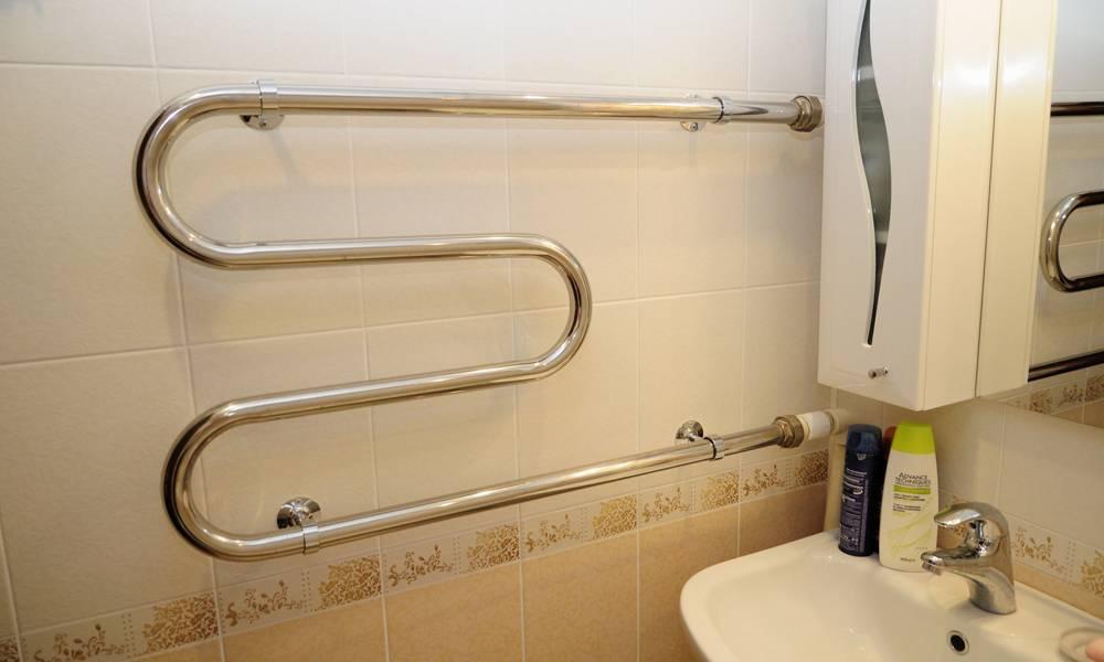 Правильное подключение водяного полотенцесушителя с боковым подключением к горячей воде. когда лучше его менять.
