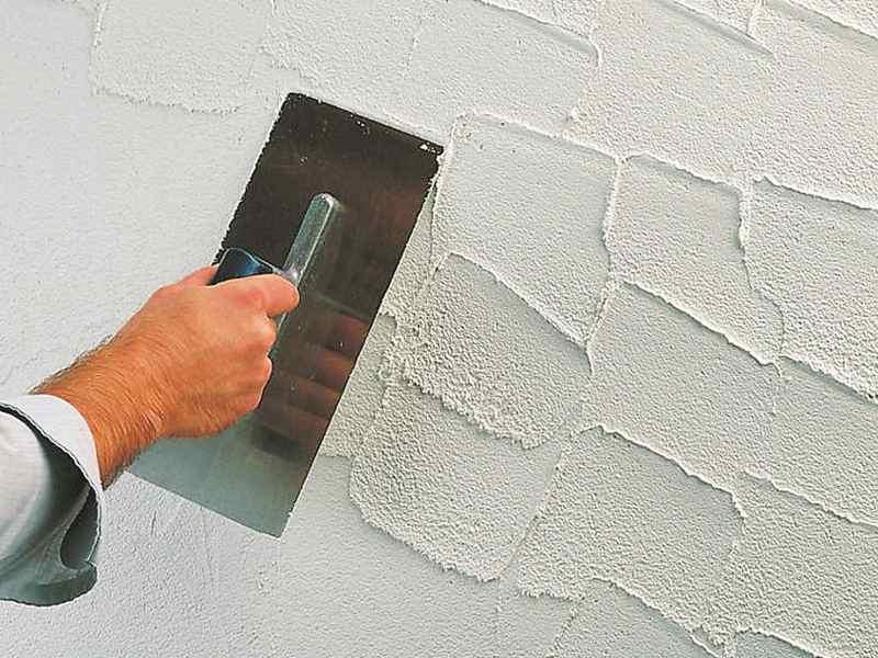 Декоративная штукатурка на потолок своими руками: инструкция, фото