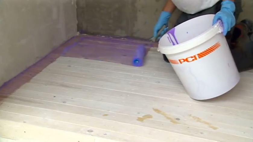 Защита поверхности с помощью гидроизоляции деревянного пола
