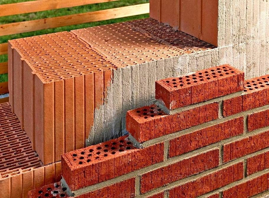 Узнай все про кладку стен из керамических блоков поризованных, своими руками