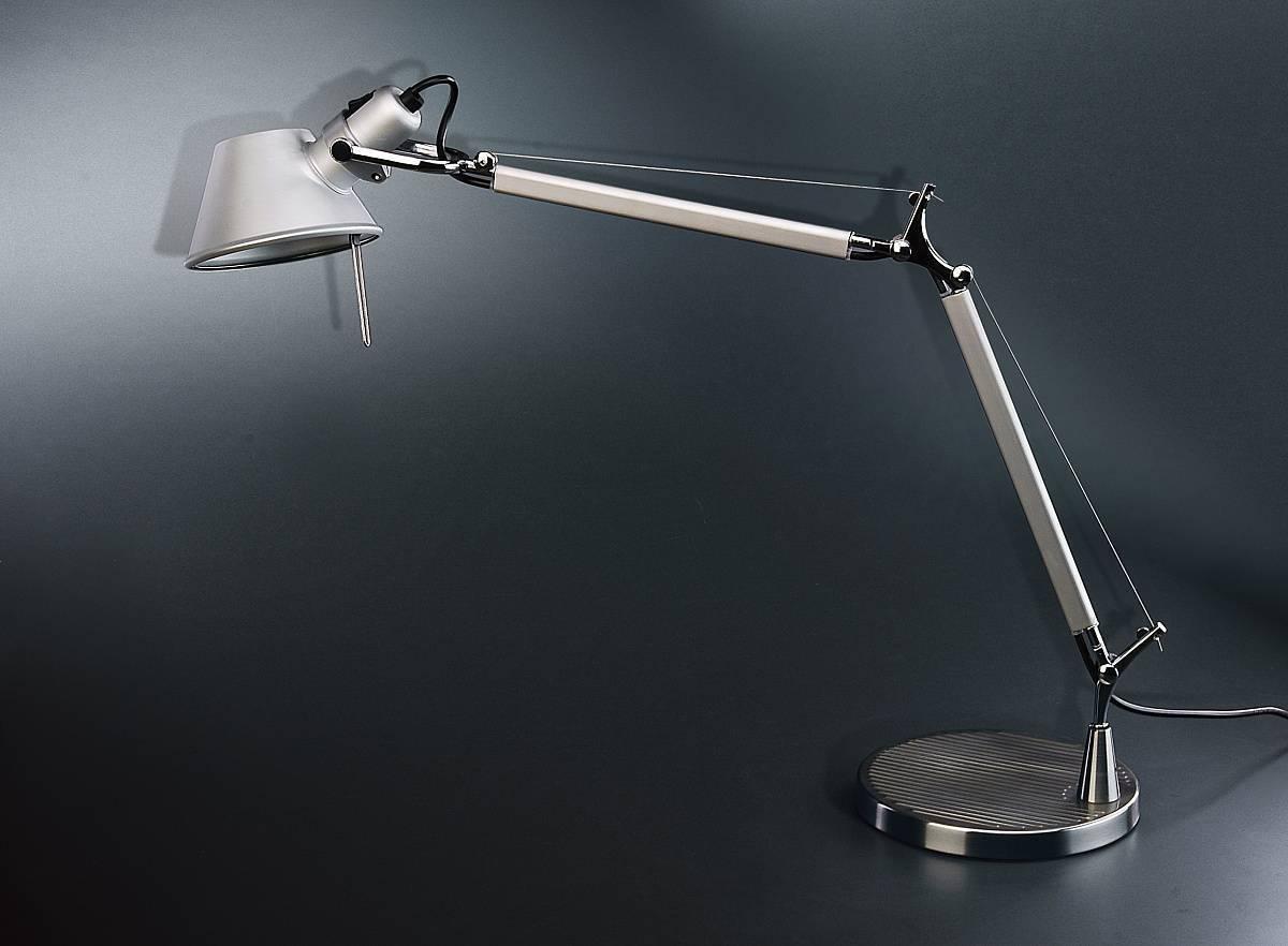 Как выбрать настольную лампу для школьника, офиса и работы. 7 параметров