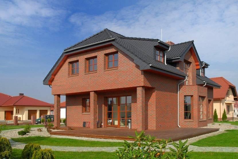 Строительство дома из кирпича: преимущества и недостатки