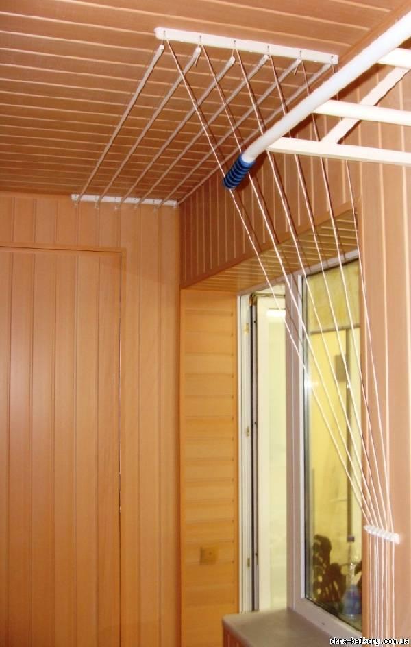 Вешалка для белья на балкон потолочная: разновидности и монтаж