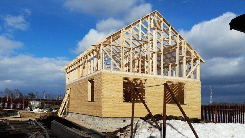 Стоит ли строить каркасный дом для постоянного проживания?