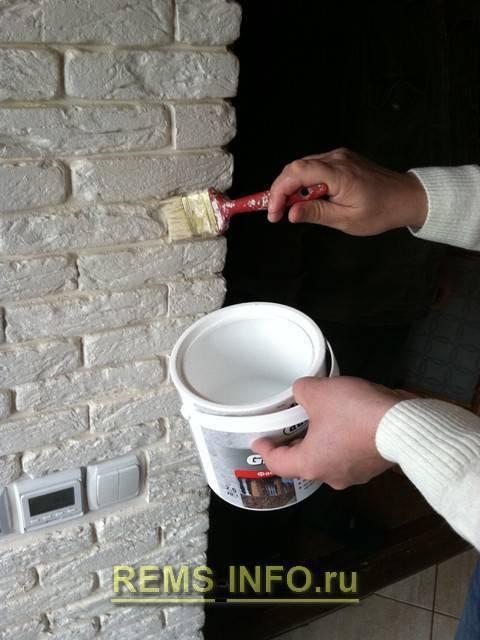 Гипсовый кирпич (45 фото): как сделать декоративный кирпич для внутренней отделки своими руками?
