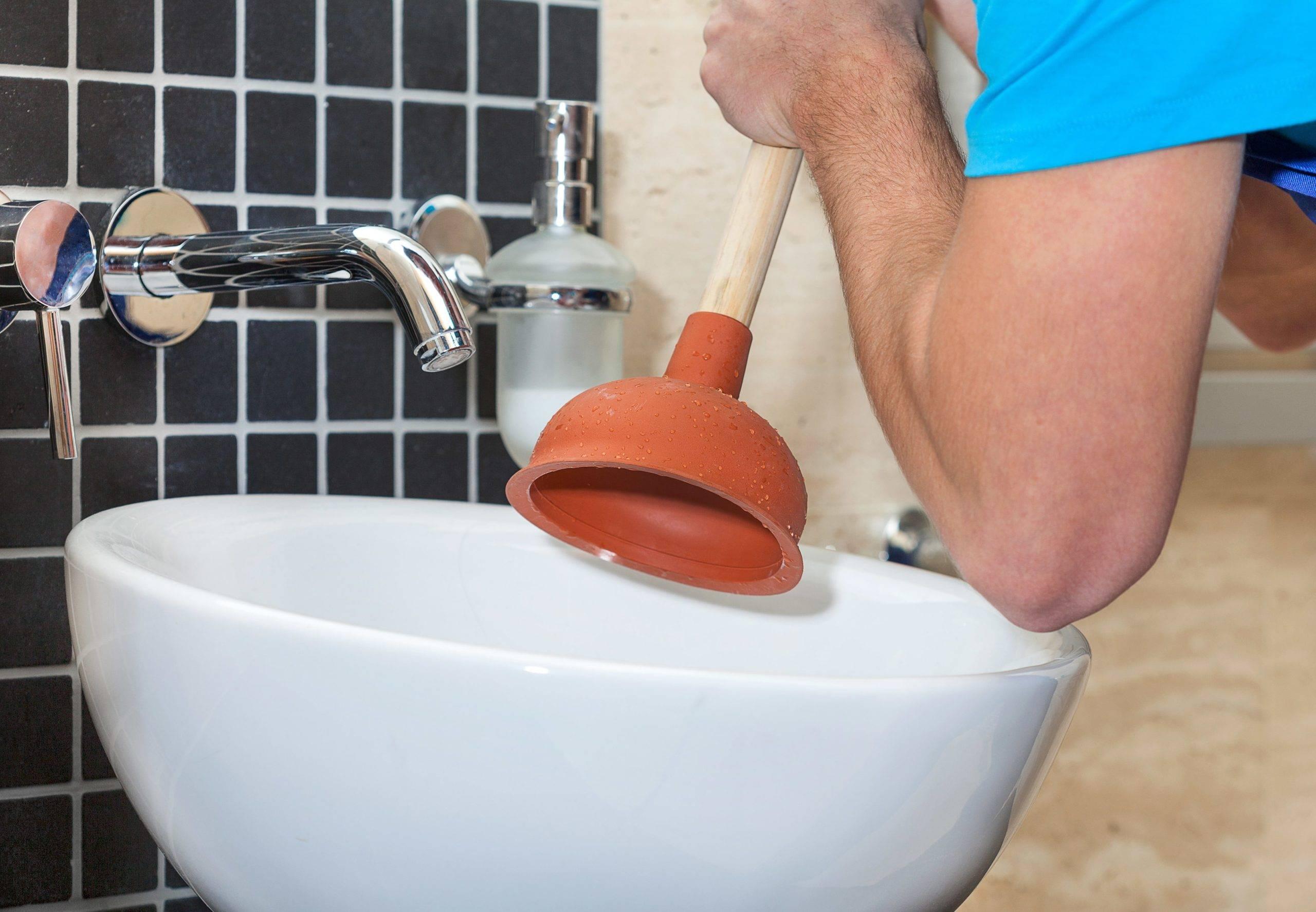 Устранение засоров канализации в частном доме в москве и московской области