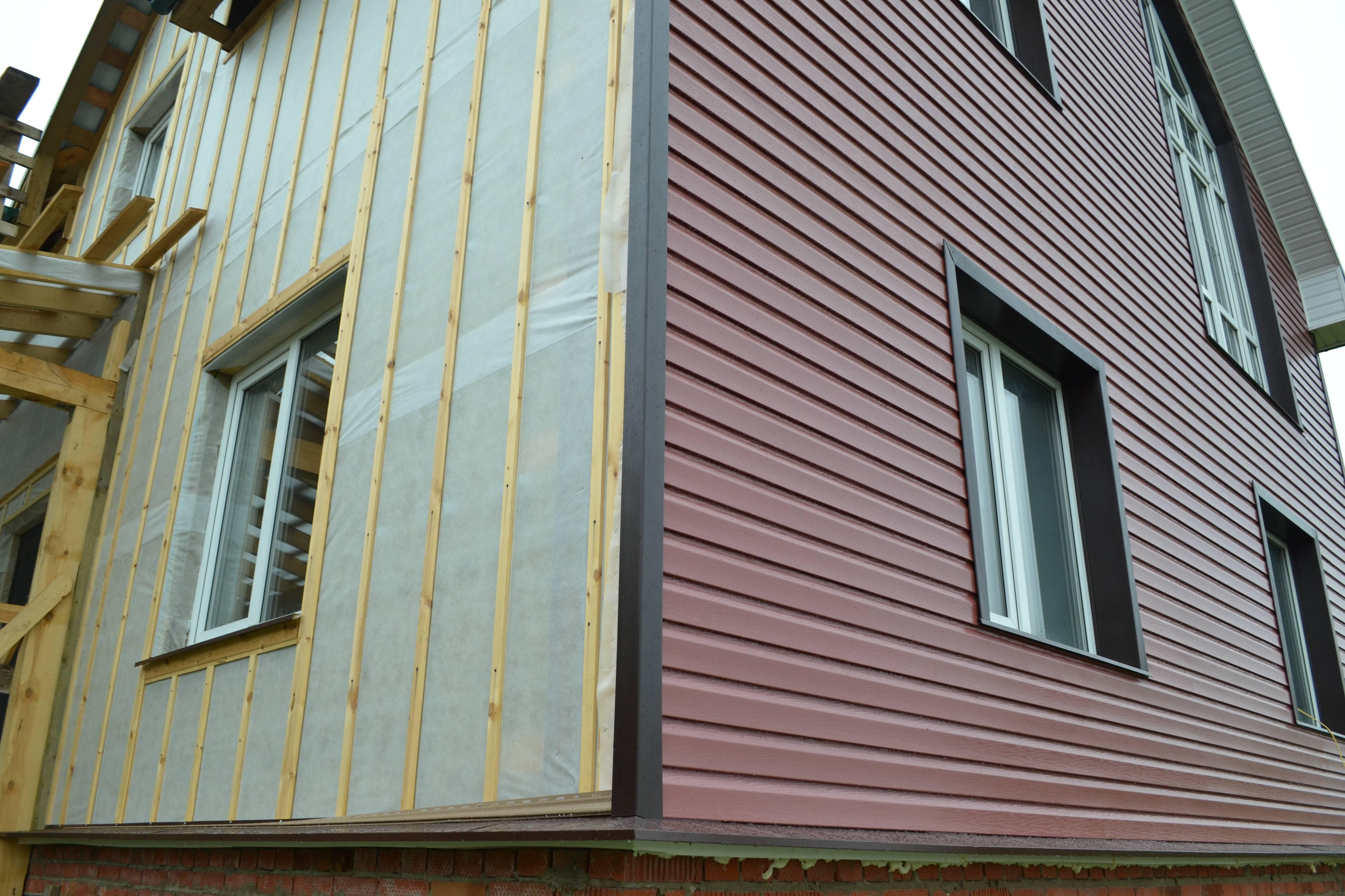 Чем обшить дом снаружи - обзор материалов для разных типов построек