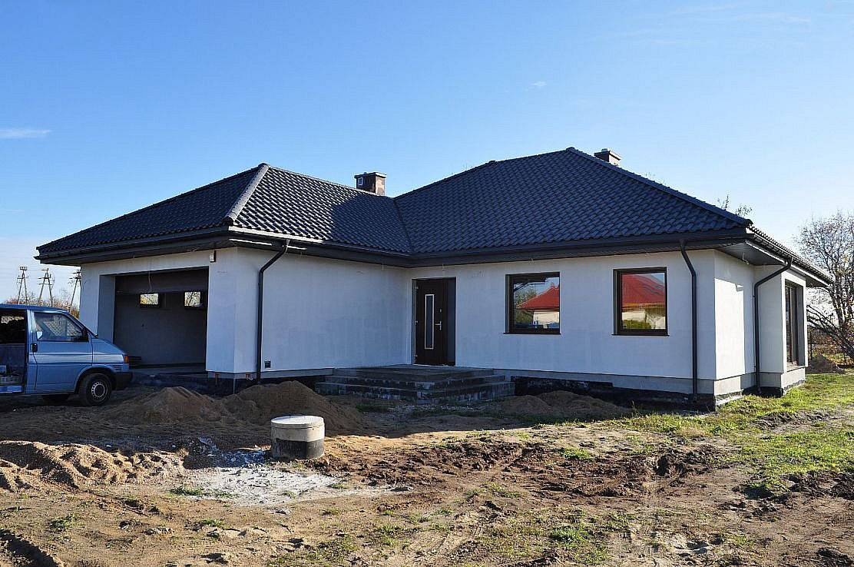 Проекты одноэтажных домов из пеноблоков (57 фото): планировка дачного коттеджа из монолитного пенобетона площадью 100 кв. м, технология строительства