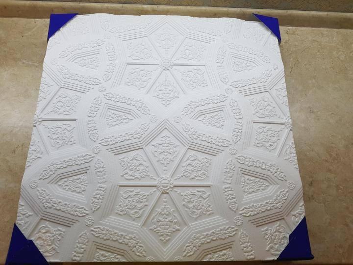 Как клеить потолочную плитку из пенопласта: разные способы поклейки своими руками