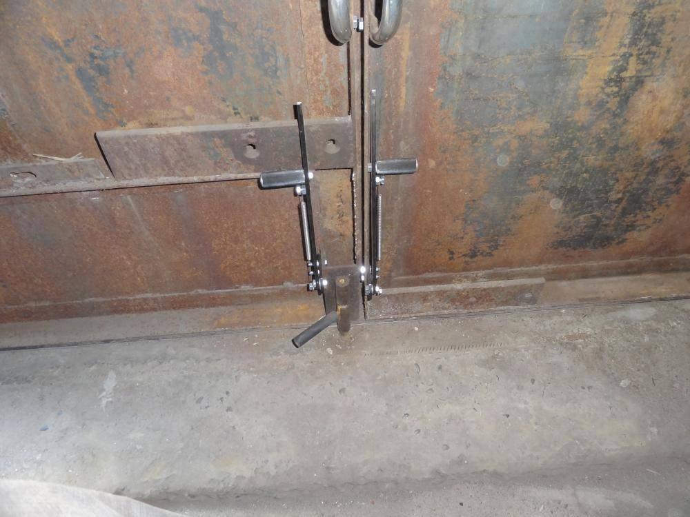 Виды изготовление и установка засовов для ворот своими руками