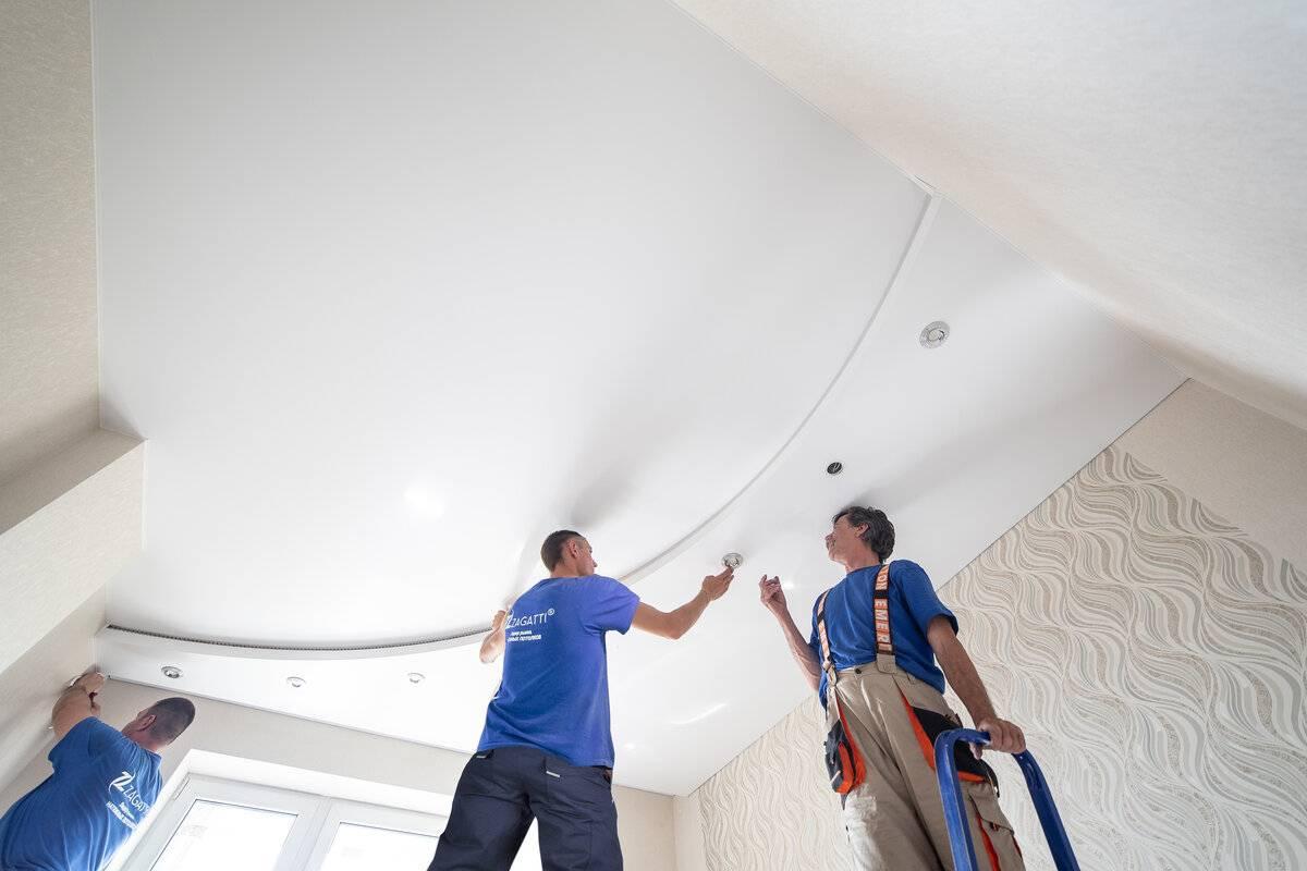 Как сделать натяжной потолок своими руками: инструментарий, расходные материалы, выбор типа, разметка стен, крепление профиля и монтаж полотнищ