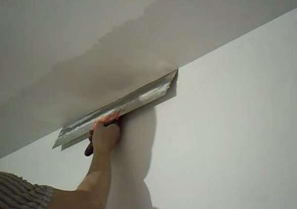 Шпаклевка неровного потолка: выбор состава и основные этапы работ