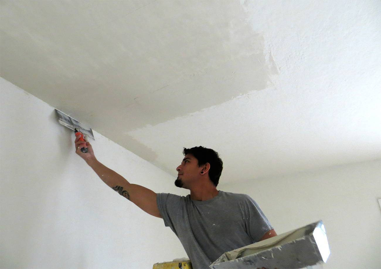 Нужно ли шпаклевать потолок из гипсокартона перед покраской
