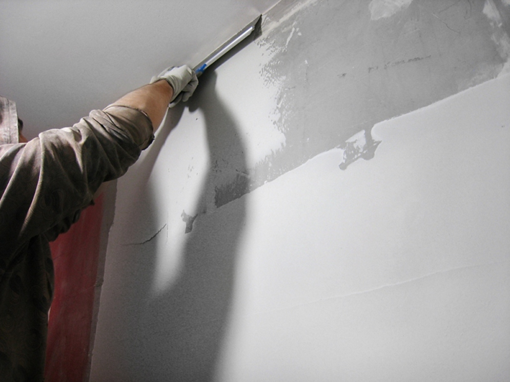 Как шпаклевать стены под покраску, под обои и другую декоративную отделку?