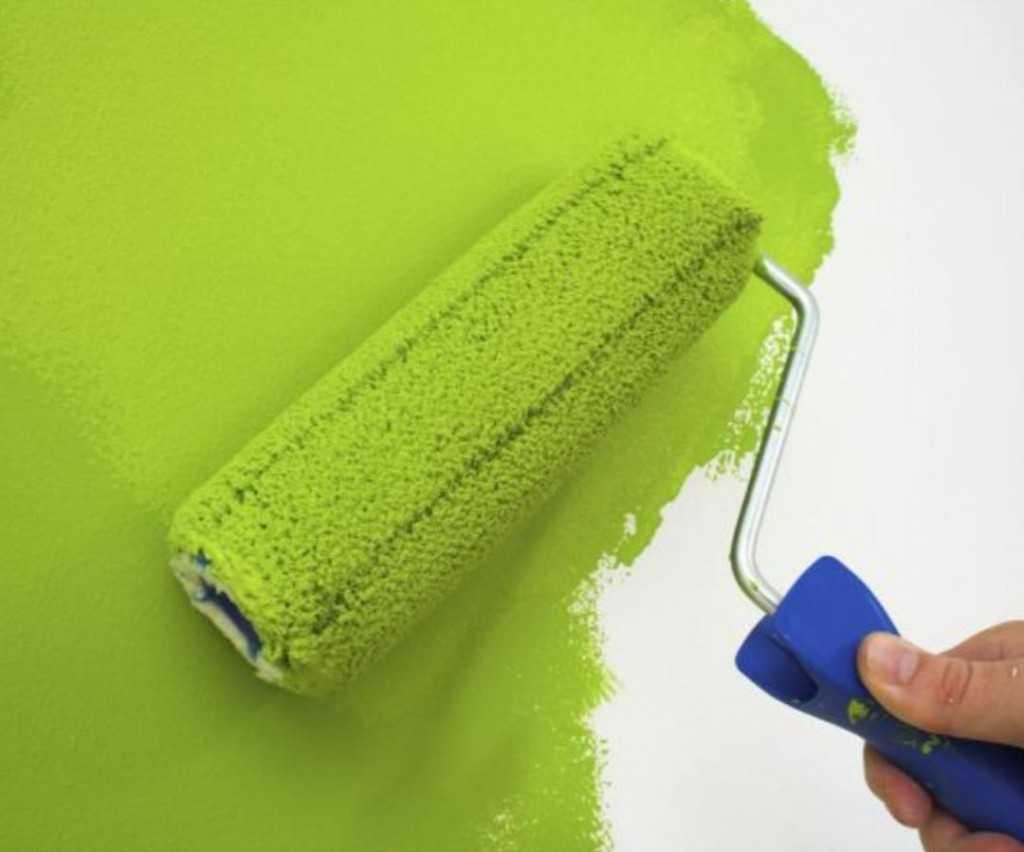 Как покрасить стены водоэмульсионной краской