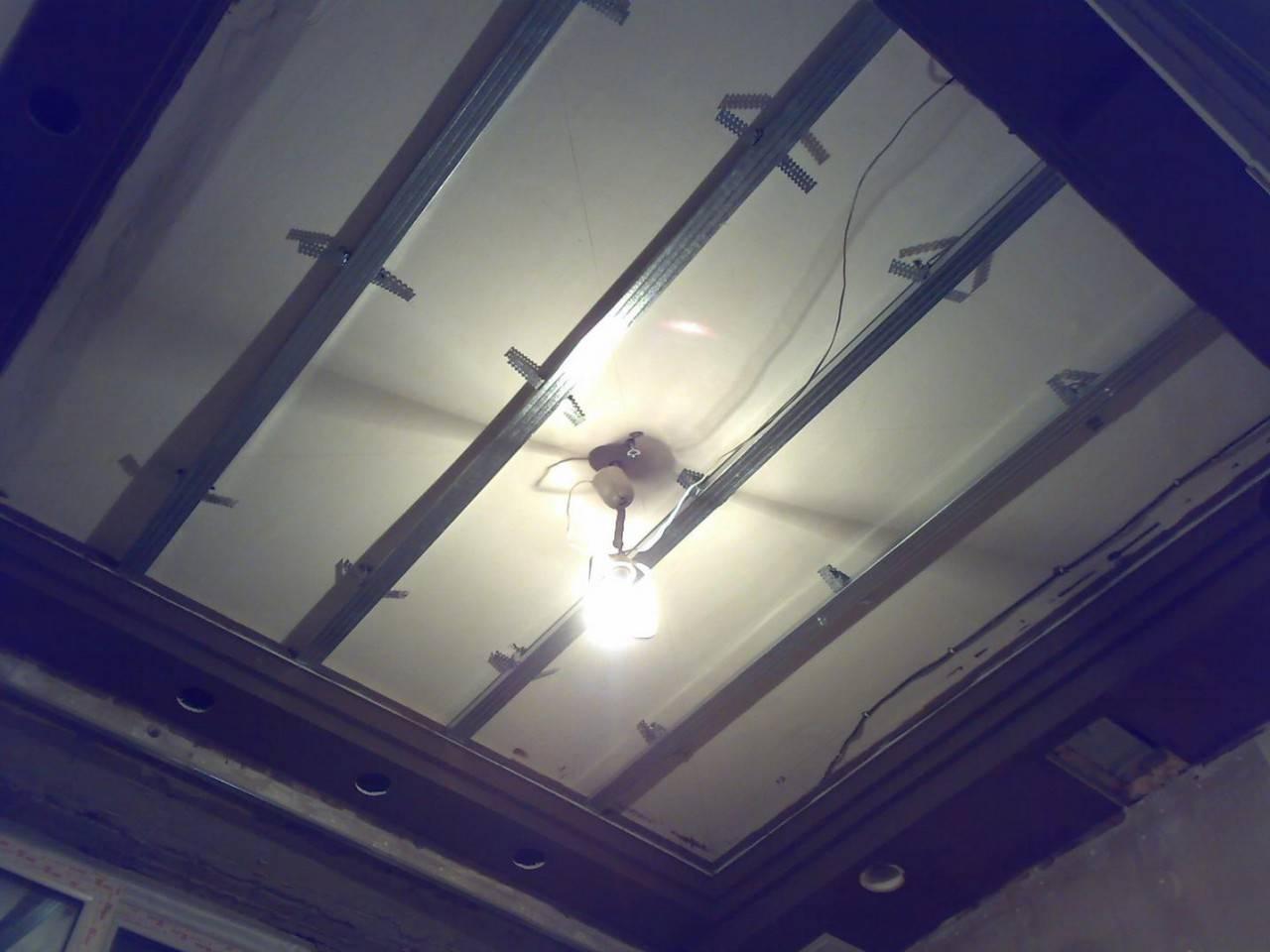 Установка пвх панелей на потолок своими руками: монтаж