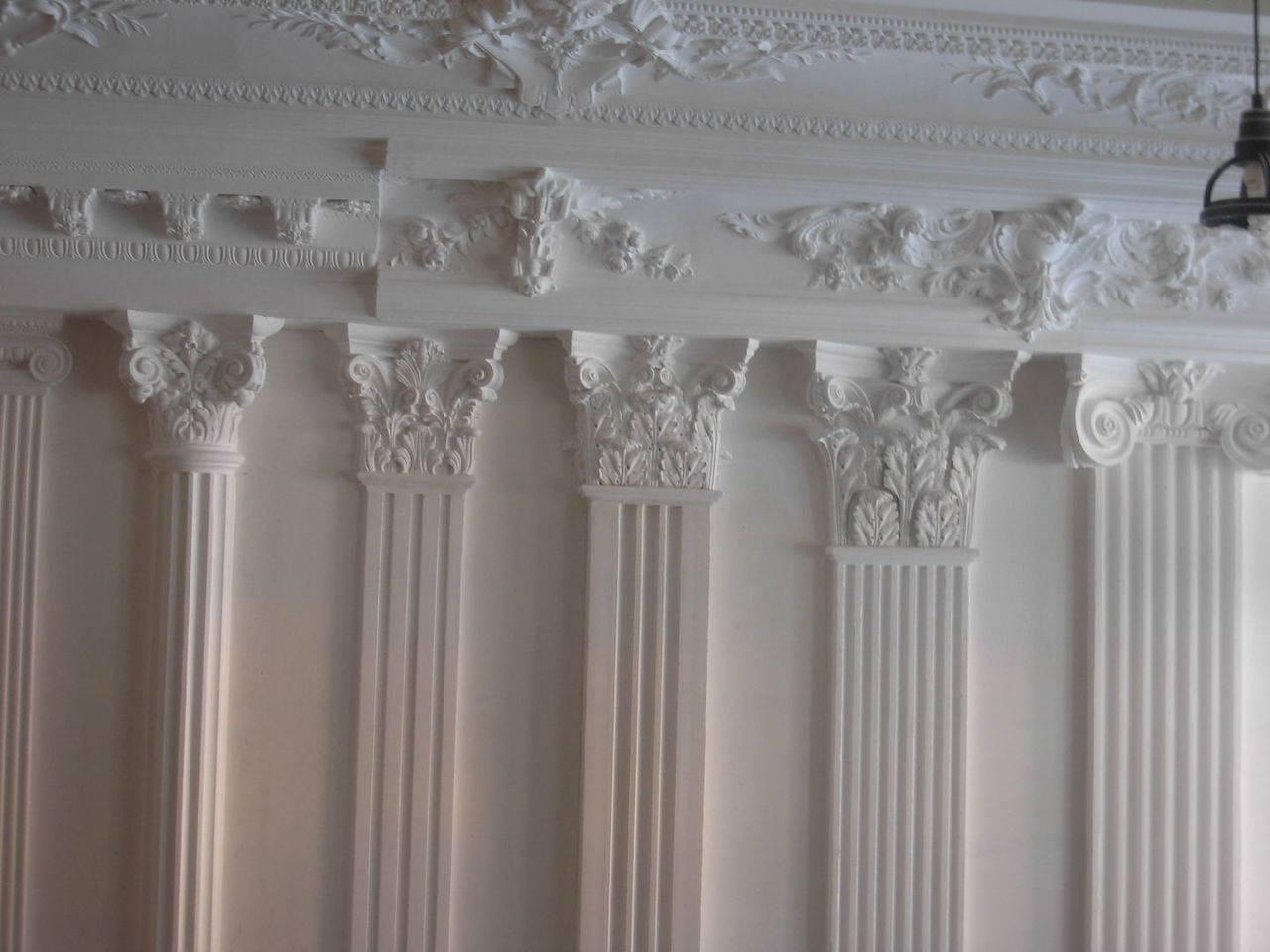 Лепнина на потолке из различных материалов (фото)
