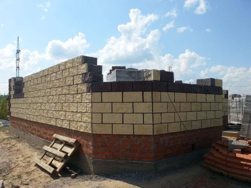 Кирпичный дом: как выбрать материал, этапы строительства жилья