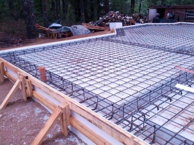 Монолитная плита для фундамента: плюсы и минусы