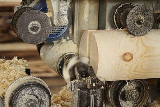 Изготовление оцилиндрованного бревна: этапы