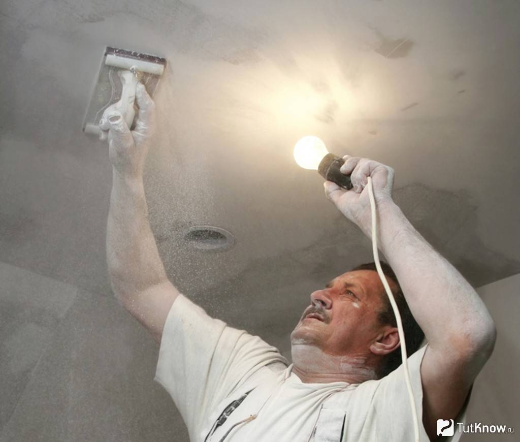 Исправление дефектов покраски потолка