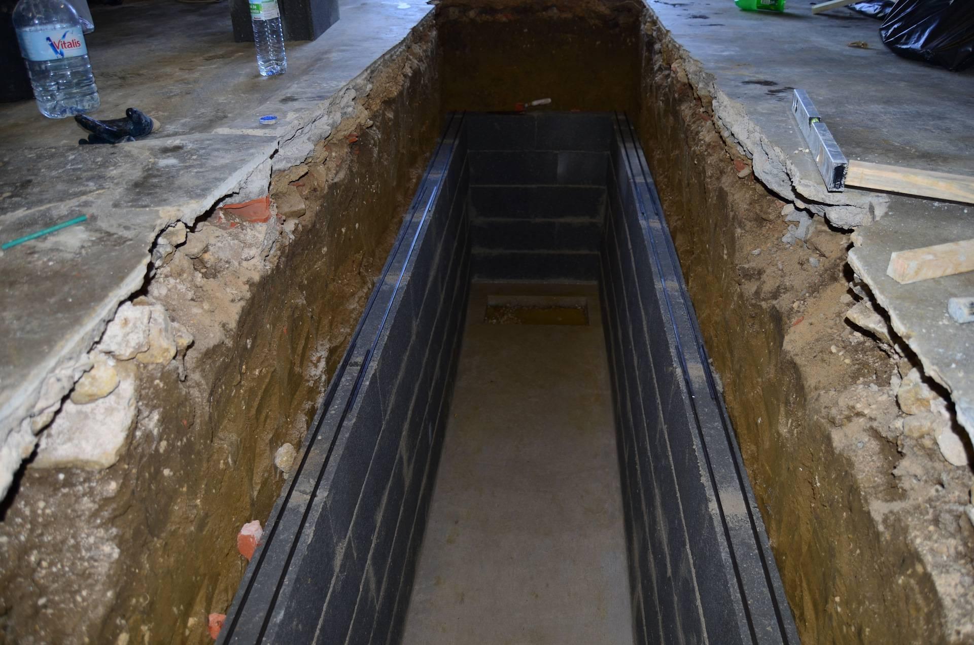 Смотровая яма в гараже своими руками. сделать смотровую яму в гараже своими руками. как самостоятельно обустроить в гараже яму для осмотра автомобиля.