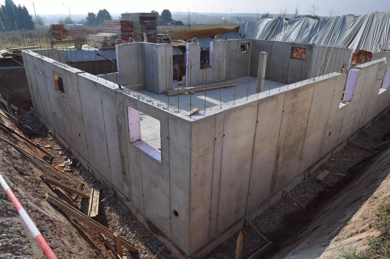 Заливка стен бетоном, как сделать бетонные стены, как залить стены бетоном, бетон для стен