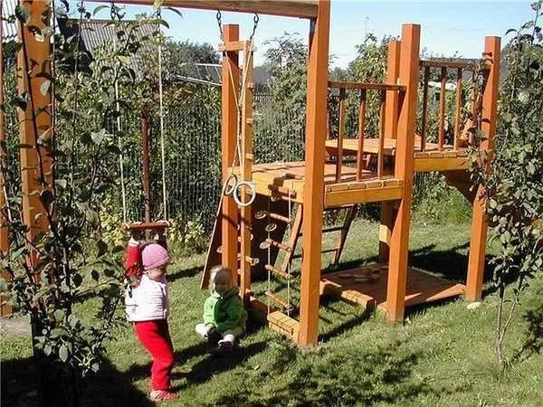 Как сделать детскую площадку своими руками?